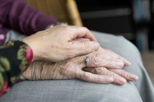 Wie lange deutsche Haushalte sich Pflege leisten könnten